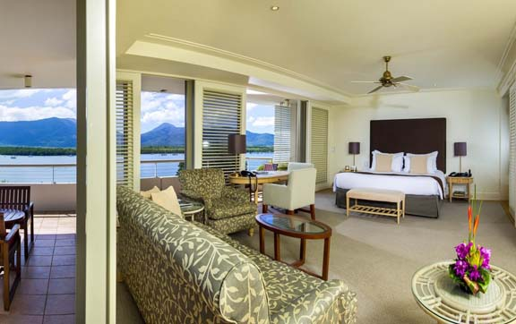 reef-casino-and-hotel-room