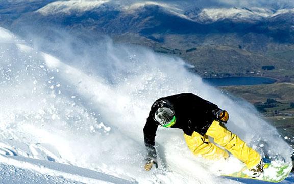 queenstown-snowboarding
