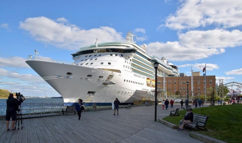 The Serenade of the Seas in Halifax | Photo: Arjan Elemendorp