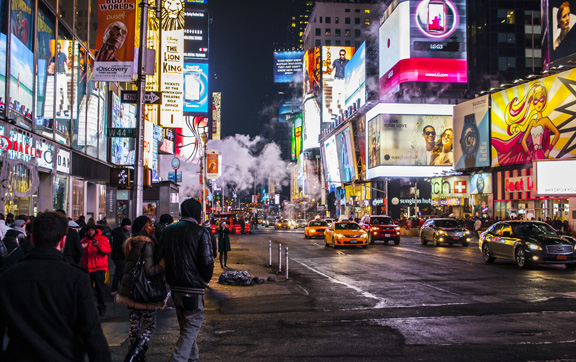 "A photograph of the hustle and bustle of the ""city that never sleeps"", New York, USA."