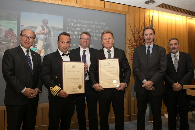 Mr Kitack Lim, IMO Secretary-General (left), Crystal Esprit Vice Captain Damir Rikanovic (2nd from left) and Fleet Captain Gustaf Grönberg, SVP Marine Operation & Newbuilding, accepting for Mr Kurt Dreyer, Marina Team Leader (2nd from right) at the 2017 IMO Award for Exceptional Bravery at Sea