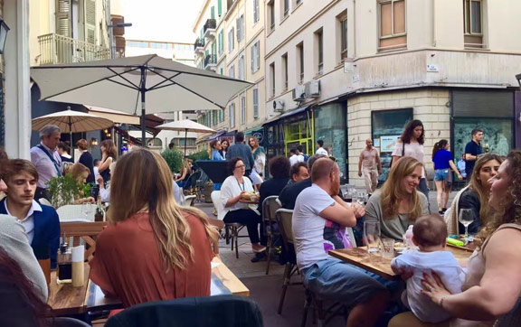 Outdoor dining in Cannes city centre