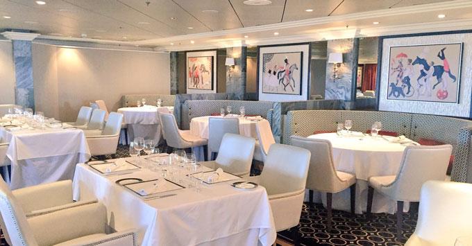 Queen Mary 2 Verandah restaurant