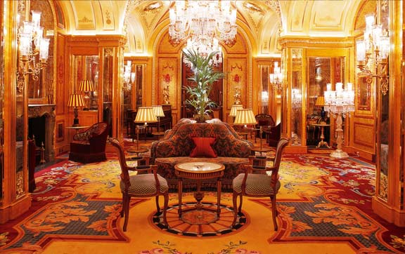 Amber Room, Ritz Club