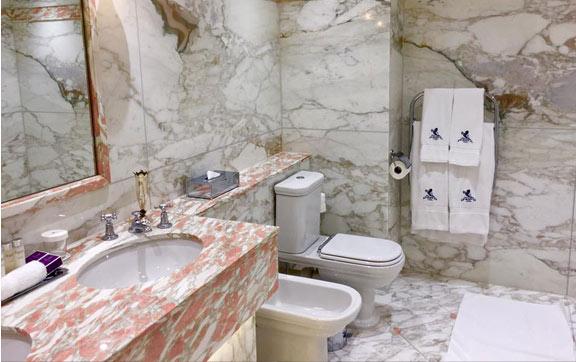 Bathroom, The Ritz Hotel London